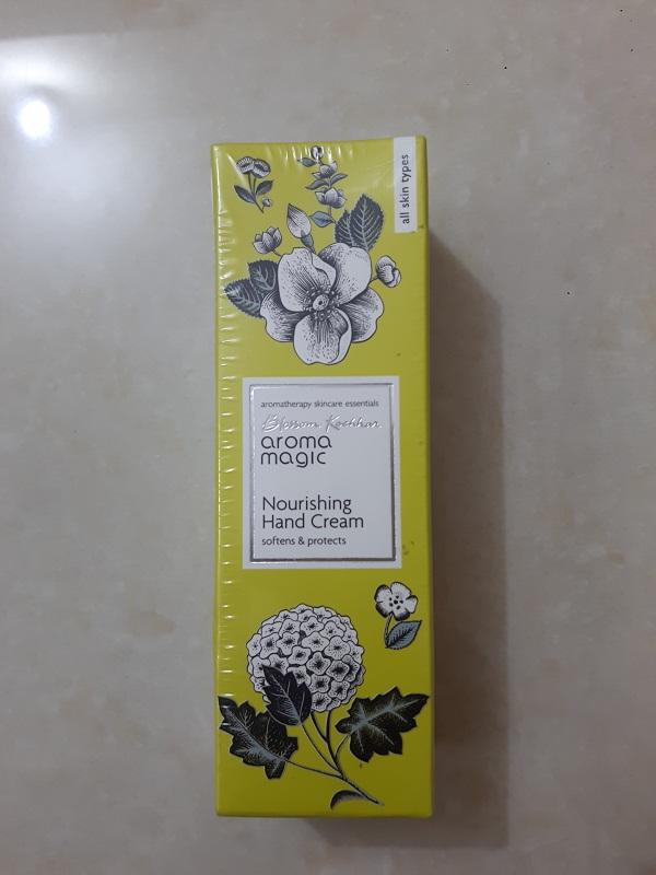foodtravelandmakeup Aroma Magic Hand Cream.jpg