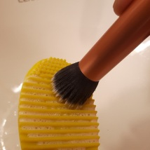 foodtravelandmakeup-brush-egg-demo-step-3