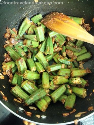 foodtravelandmakeup-com-bhindi-dopyaza-13
