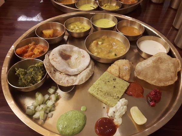 foodtravelandmakeup Restaurant review Maharaja Bhog (3).jpg