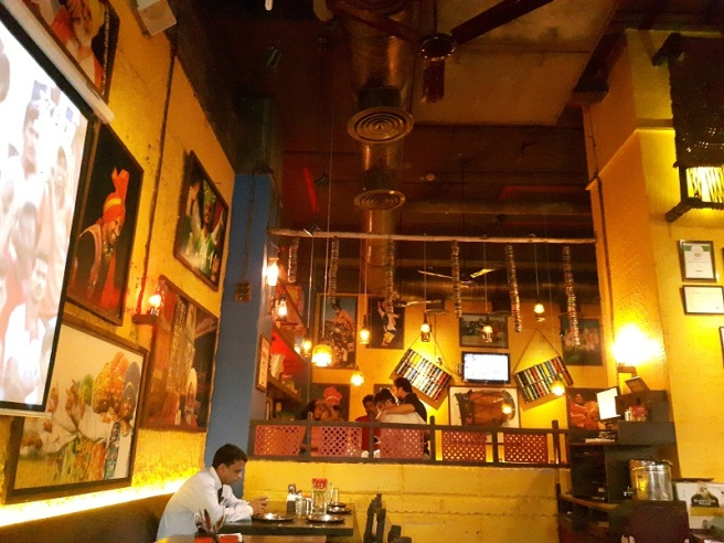 foodtravelandmakeup-restaurant-review-urban-tadka-2