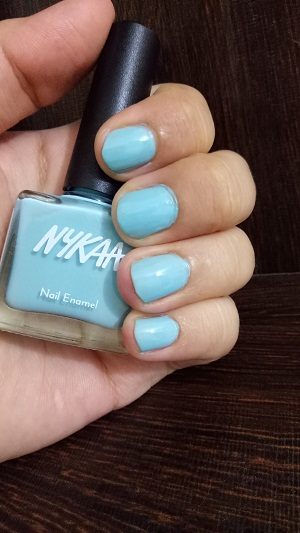 Nykaa Pastel Nail Enamel Blue Lime Slush No.66 Swatch.jpg