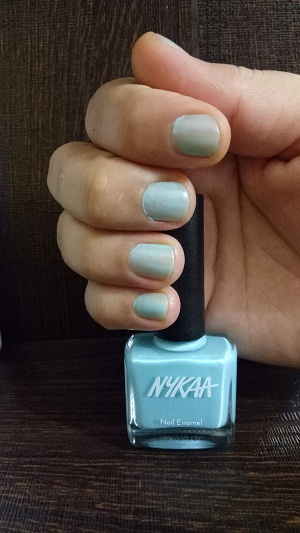 Nykaa Pastel Nail Enamel Blue Lime Slush No 66 Swatch.jpg