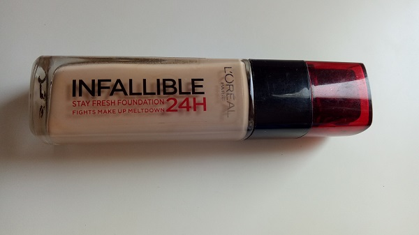 Loreal Infallible 24H Foundation 120 Vanilla.jpg