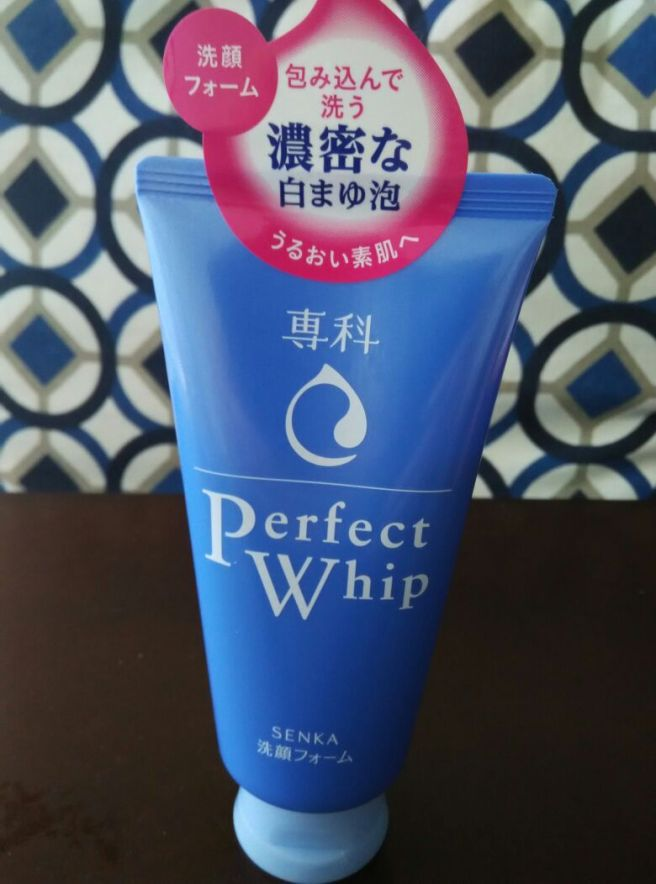 foodtravelandmakeup Shiseido Senka Perfect Whip Foaming Cleanser